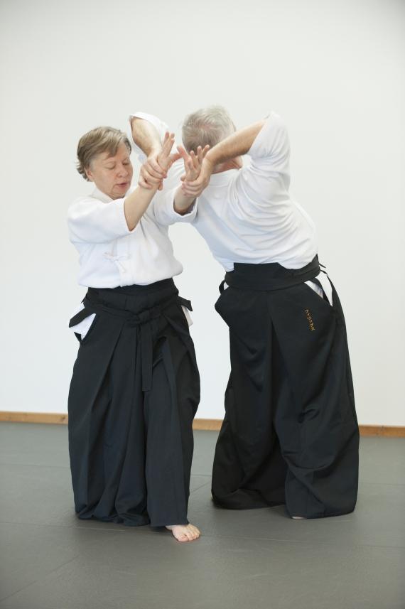 Aikido_stretch_